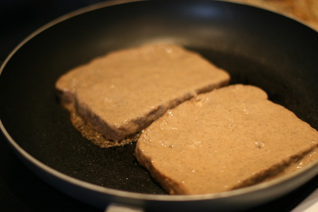Vegan french toast oh she glows make sure you use a non stick pan and oil it really well ccuart Gallery