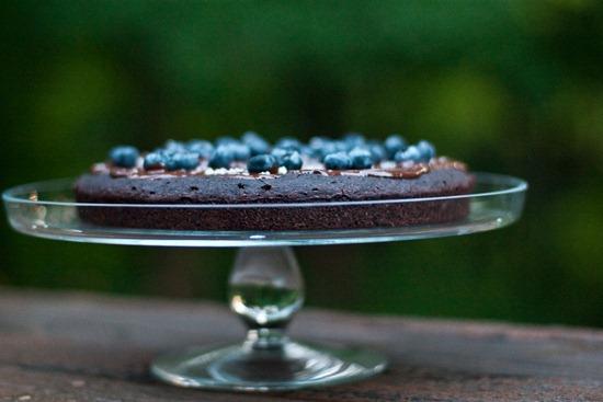 IMG 4327 thumb   Healthy Blueberry Chocolate Glaze Cake