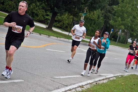 20100906IMG 2417 thumb   Labour Day Oakville Half Marathon & 10K