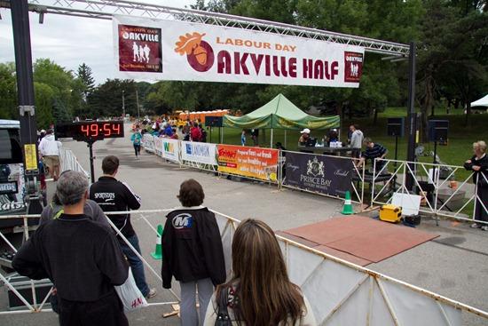 20100906IMG 2452 thumb   Labour Day Oakville Half Marathon & 10K