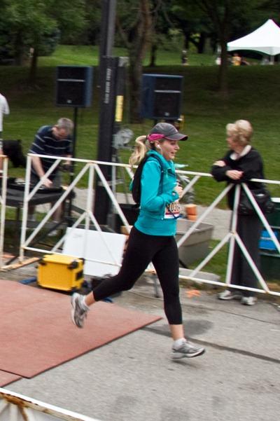 20100906IMG 2475 thumb   Labour Day Oakville Half Marathon & 10K