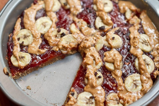 20100907IMG 2652 thumb   Peanut Butter, Jam, & Banana Breakfast Pizza