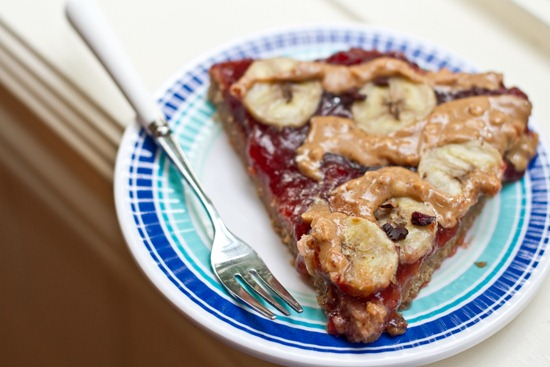 20100907IMG 2653 thumb   Peanut Butter, Jam, & Banana Breakfast Pizza